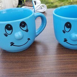 Set of 2 mugs, good condition